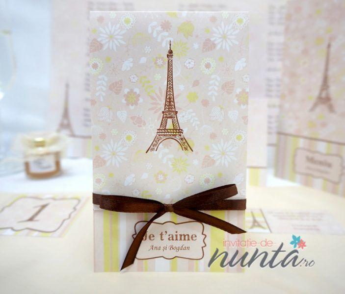 Invitatie de nunta cu model floral Je t'aime. O invitatie de nunta in culori delicate, care celebreaza Parisul, orasul iubirii, fiind un simbol foarte potrivit pentru nunta.