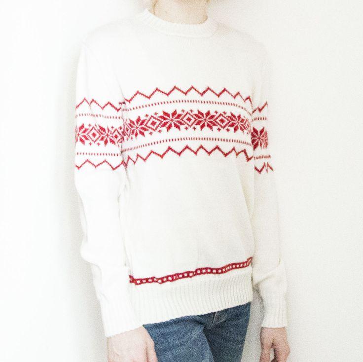 Екатерина заказала у нас на подарок настоящий family-look из 6 свитеров Мужские свитера - красные, женские - белые. http://frautag.ru/collection/nashi-raboty/product/vyazanye-svitera-family-look #frautag_familyknitting #вязаниеназаказ #чехол #чехолдлякружки #чехолнакружку #familylook #sweater #свитерсоленями #свитер #вязаныйсвитер #свитерназаказ #handmade #ручнаяработа #knitting #вязание