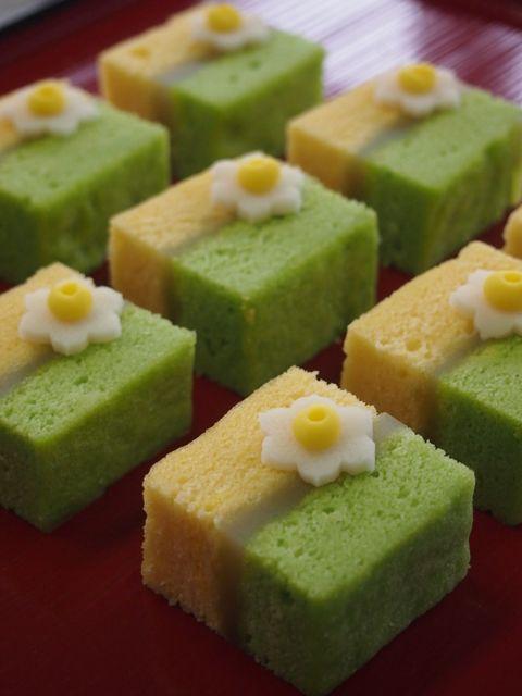 春咲き水仙 (Spring Flowering Daffodils) mini sweet cakes
