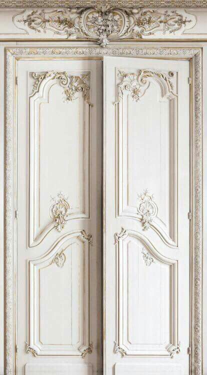 White and gold paint finish. I did this on a freestanding bedroom mirror.