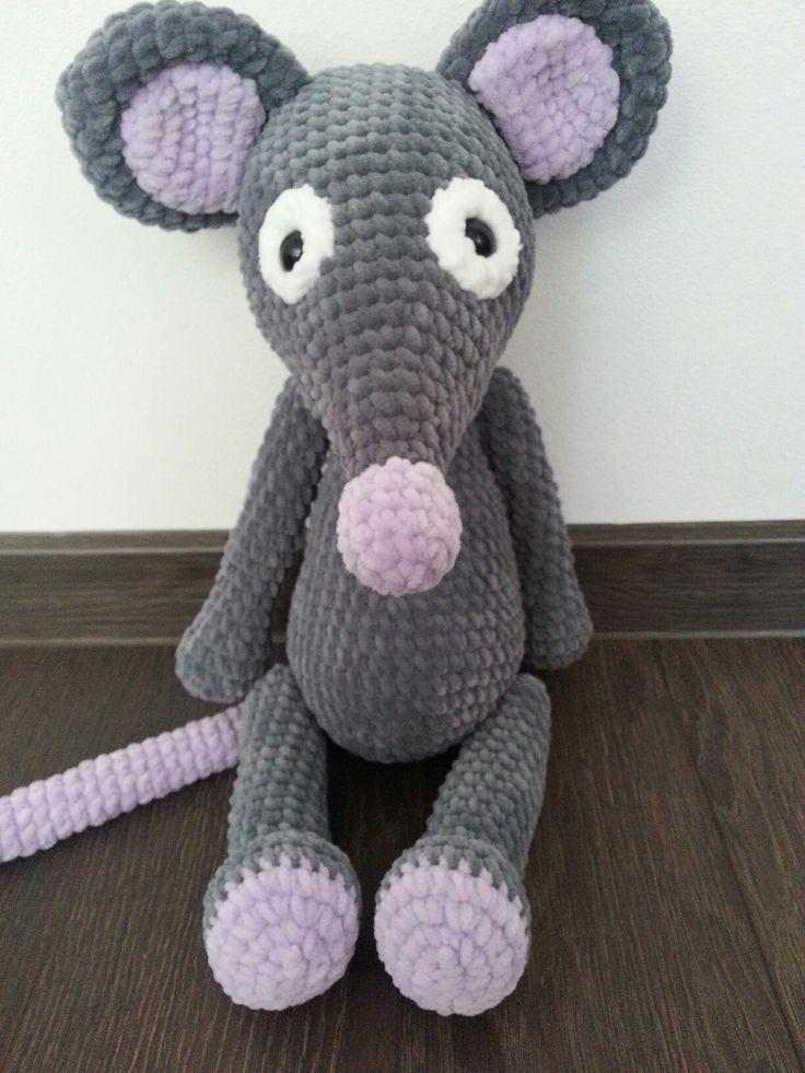 Úžasná háčkovaná myška vysoká 50 cm
