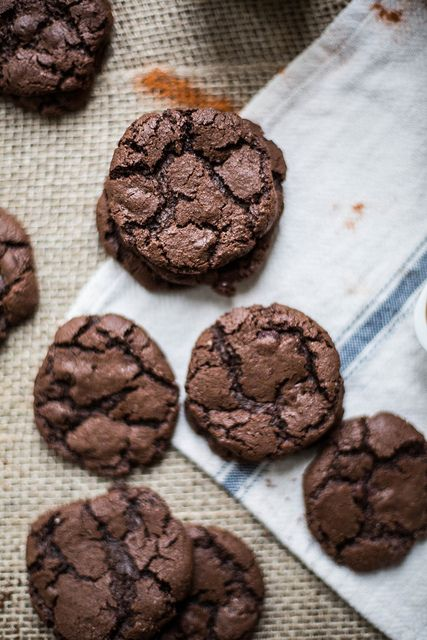 salted spicy double chocolate cookies: Spicy Double, Chilis Cookies, Double Chocolate Cookies, Local Milk, Sweet Tooth, Double Chocolates Cookies, Chocolates Chilis, Salts Spicy, Salts Double