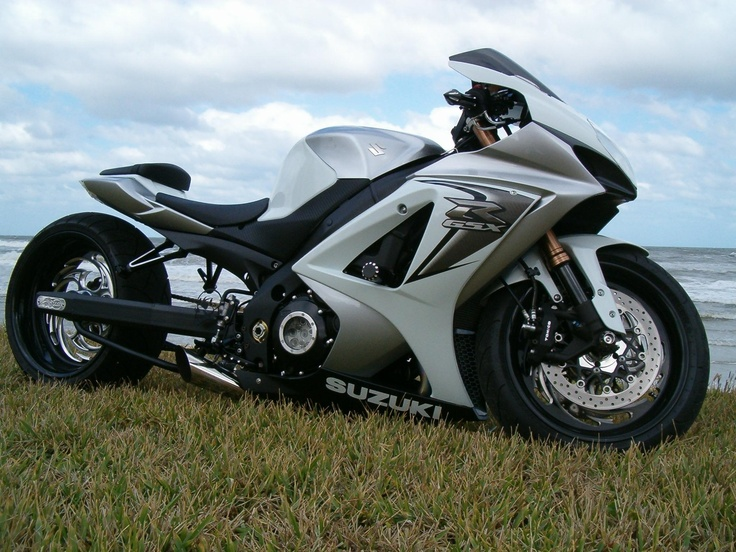 Custom Black Gsxr 1000