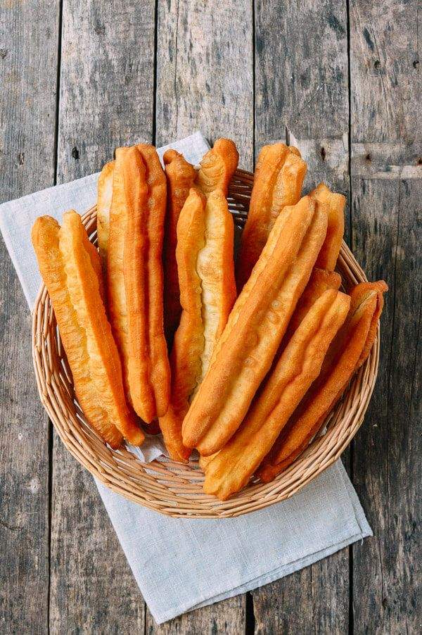 Youtiao (油条, 油炸鬼, Chinese Fried Donut, Chinese Crullers)