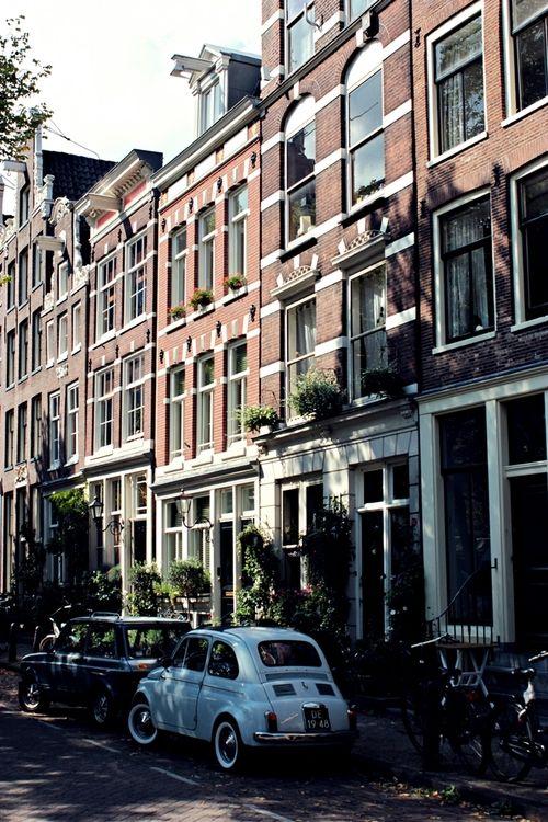De Jordaan, Amsterdam | The Netherlands    Photo taken by me (travelingcolors)