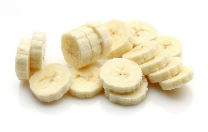 Banaanid sisaldavad kolme tüüpi looduslikke suhkruid – sukroosi, fruktoosi ja glükoosi kombineerituna kiudainetega. Tänu nendele kolmele suhkrutüübile, annavad banaanid pärast söömist kohese energia. Kõigest kaks banaani annab meile piisavalt energiat, millest jätkub 90-minutise treeningu jaoks. Lisaks vajalikule energiale, katab üks banaan hinnanguliselt 21,5% päevasest B6 vitamiini vajadusest ning 17% C-vitamiini vajadusest. Lisaks sisaldab see märkimisväärselt […]