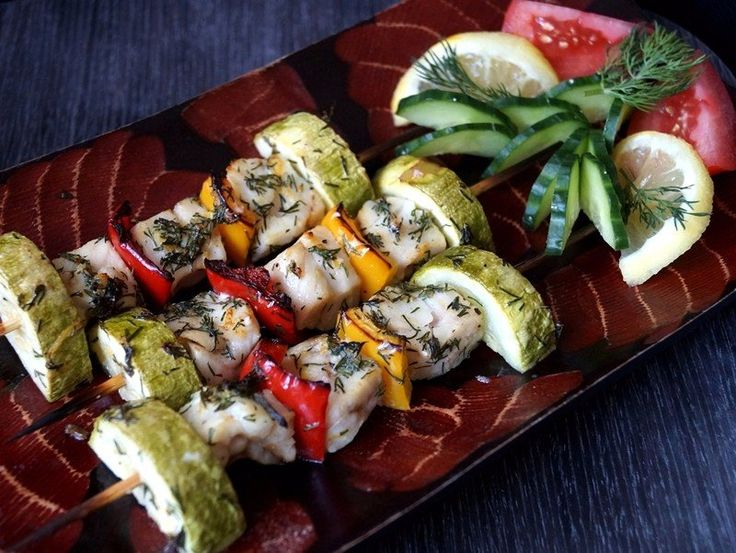 Fish kebabs with vegetables These skewers can serve as a main dish for lunch or dinner, and a snack for the festive table! Ingredients: Pollock fillets — 400 g Zucchini young — 1 pc. Yellow bell pepper — 0.5 pc. Bulgarian Red Pepper — 0.5 pc. Lemon — 1 pc. Dill — 1 bunch Olive …