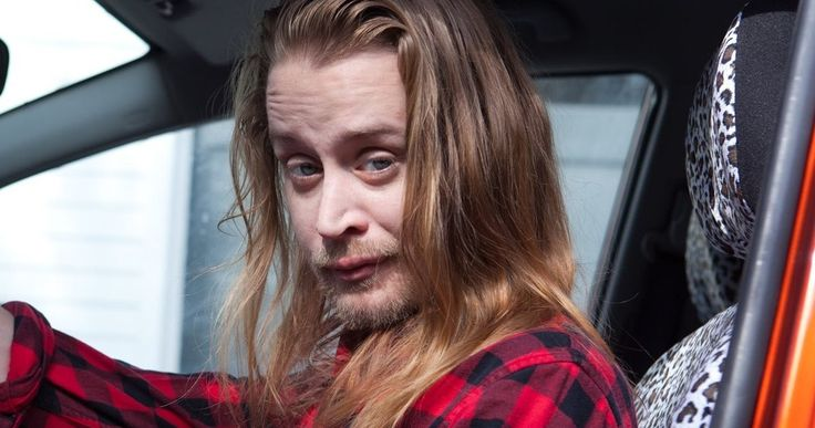 Watch Macaulay Culkin Revisit 'Home Alone' as a Troubled Adult -- Macaulay Culkin revisits his Kevin McCallister character from 'Home Alone' as a distraught adult in the web series ':DRYVRS'. -- http://movieweb.com/macaulay-culkin-home-alone-kevin-dryvrs-video/