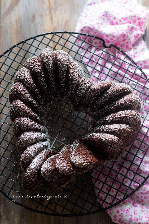 Ciambella al cioccolato super soffice - Ricetta Ciambella al cioccolato