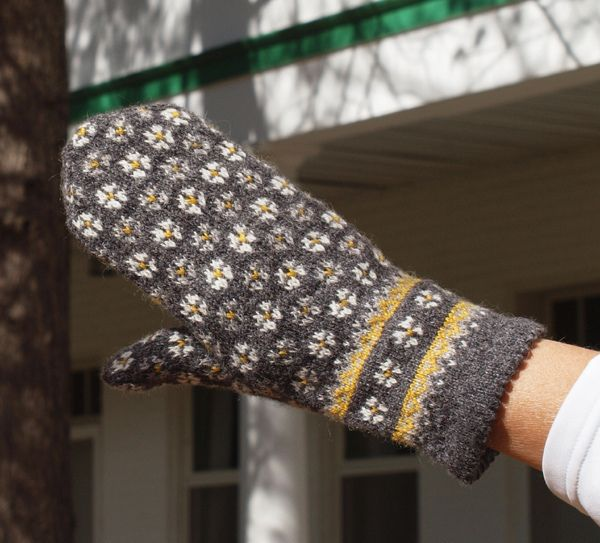 248 best knit fair isle images on Pinterest | Knitting patterns ...