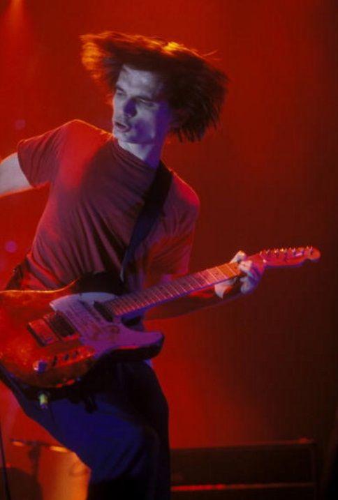 Jonny Greenwood - #Radiohead - Wembley Arena UK, November 16, 1997 - #Music