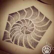 dot work tattoo spirale tatouage tanuki fisherman tattoo club aix en provence