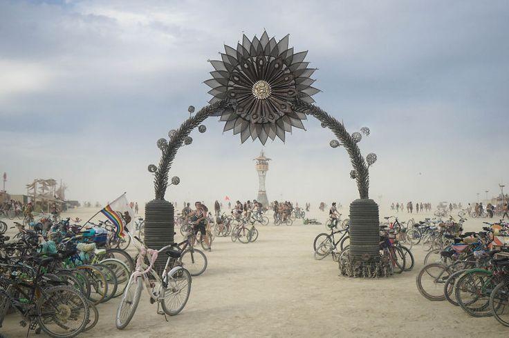 burning-man-festival-photography-victor-habchy-nevada-14