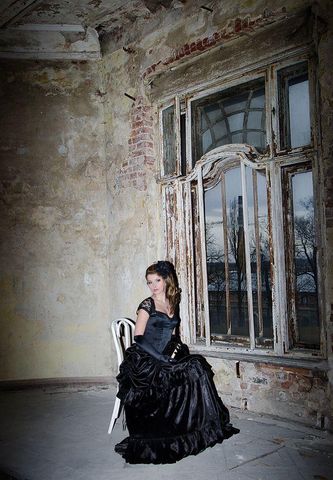 Sesja Gothic Castle. Zapraszam do obejrzenia zdjęć z mrocznej sesji inspirowanej stylem gotyckim