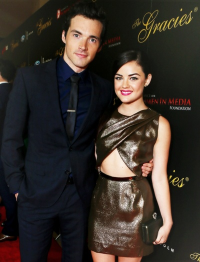 Lucy hale dating ezra