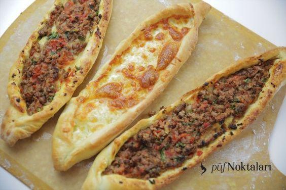 Pide tarifleri. Pide oldukça lezzetli ve yapımı oldukça kolay olan bir yiyecektir. İkram için kullanılabilmekte ve ana yemek olarak tüketilebilmektedir.