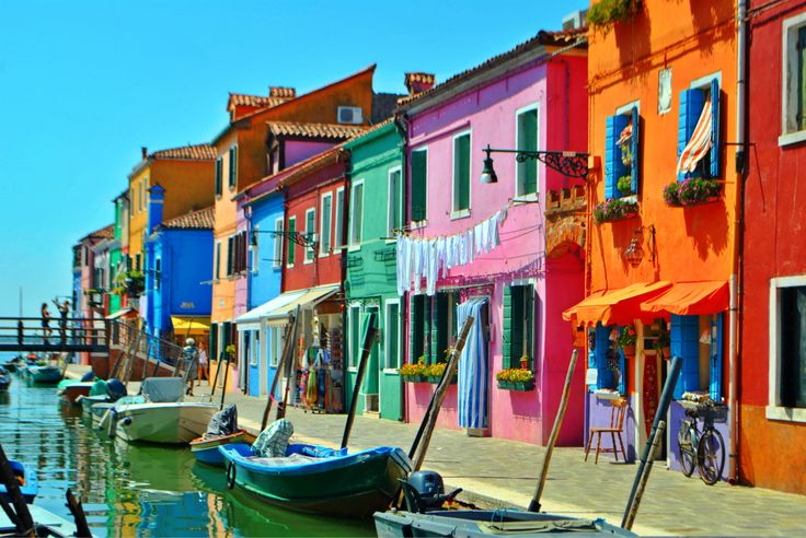 A explosion of colors in Burano