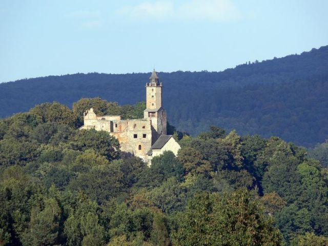 Góry Sowie, zamek Grodno