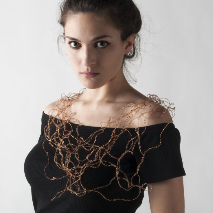 Threads necklace:  composition of 12 wires of copper bathed in pink gold