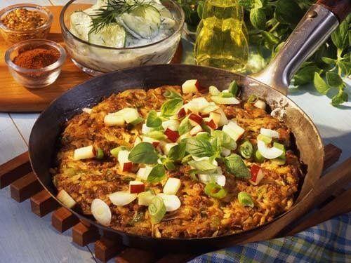 Hackfleisch-Kartoffel-Rösti sind ein schnelles Essen, das satt macht und dabei köstlich schmeckt.