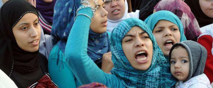 http://www.estrategiadigital.pt/mundo-arabe-internet-mulheres-muculmanas/ - Não há dúvidas de que a Internet é uma ferramenta poderosa quando falamos de direitos das mulheres. Estávamos em meados de 2013, quando um vídeo chocou o mundo. Nada al-Ahdal, uma menina de 11 anos, do Iémene, dava voz às jovens muçulmanas que, como ela, eram obrigadas a casar.
