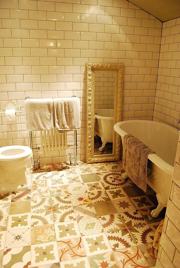 Victorian tiles - random pattern