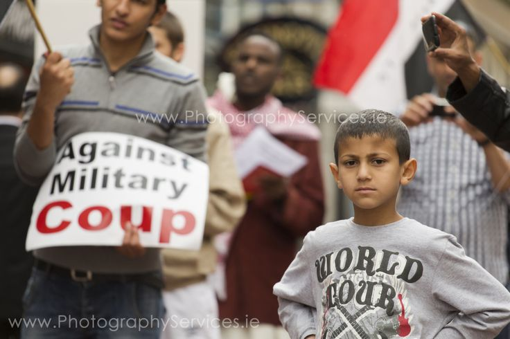 Young child participate in pro-morsi march in Dublin  #morsi #crisis #dublin #photojournalism #militarycoup #ireland #muslim #child #innocence