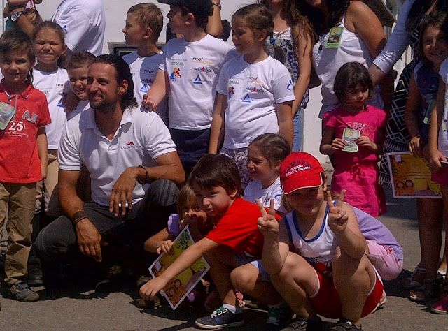 Claudiu Bleont and children