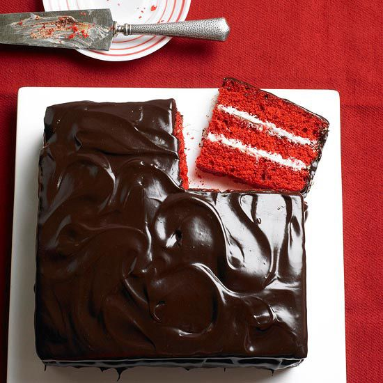 Chocolate & Vanilla Red Velvet Cake