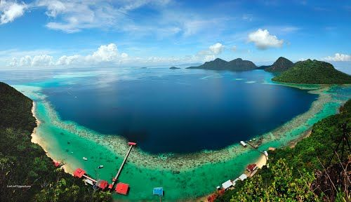 #Tun_Sakaran_Marine_Park or #Semporna_Islands_Park state of #Sabah in #Malaysia, on the island of #Borneo http://en.directrooms.com/hotels/district/1-2-1681-10254/
