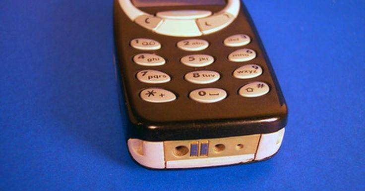 Cómo descifrar la contraseña de tu teléfono. La mayoría de los teléfonos móviles tienen la opción de añadir una contraseña para proteger tu teléfono y que no sea usado sin autorización. Esta misma contraseña puede asignarse a ciertos aspectos de los teléfonos como forma de protección para tus mensajes de texto, tus fotos o tu agenda. Por tanto, sin la misma no podrás acceder a tu teléfono ...