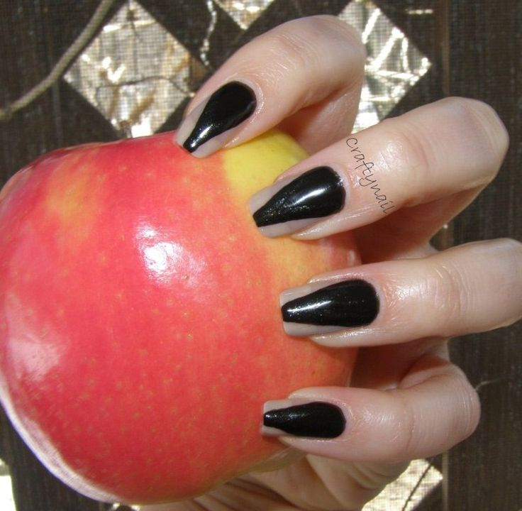 Copycat of Evanora's nails from Oz