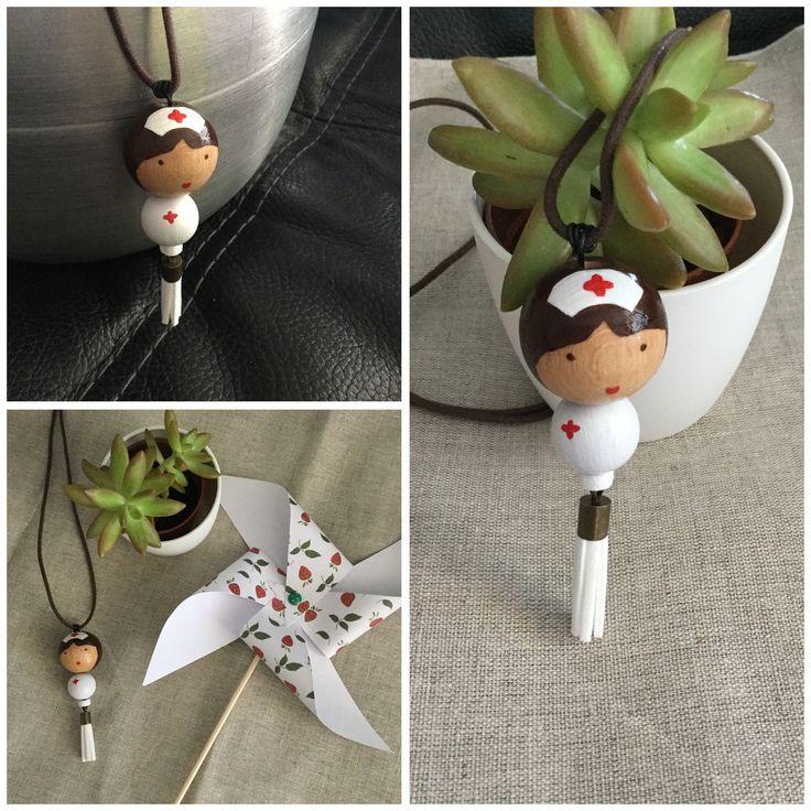 Louise infirmière ~ Sautoir poupée perles bois peint infirmière : Collier par les-louises