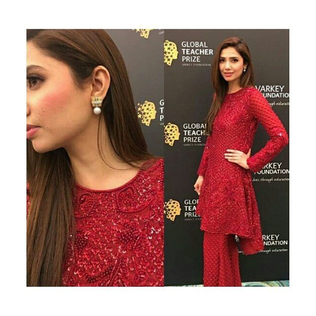 Mahira Khan is looking ravishing at the global teachers prize in dubai! ❤ . . #mahirakhan #binroye ❤ #globalteacherprize #stunninginred #humsafar #lollywood || @mahirahkhan ||