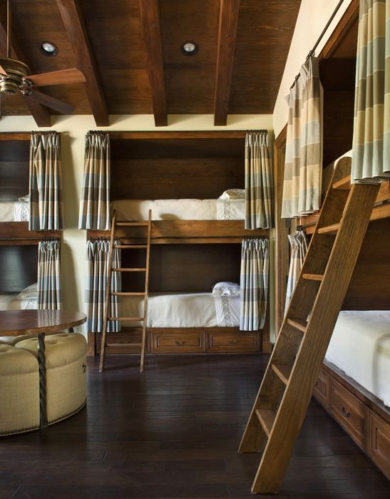 Bunk room...I want to be a kid and sleep here.