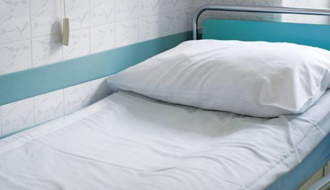 «Γιατί εκπλήσσεστε γιατί δεν υπάρχουν εξειδικευμένοι γιατροί; ...Δεν υπάρχουν μαξιλάρια για τους ασθενείς»