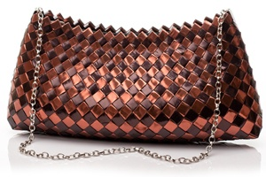 chocolate anyone? love the copper and dark brown tones of this bag