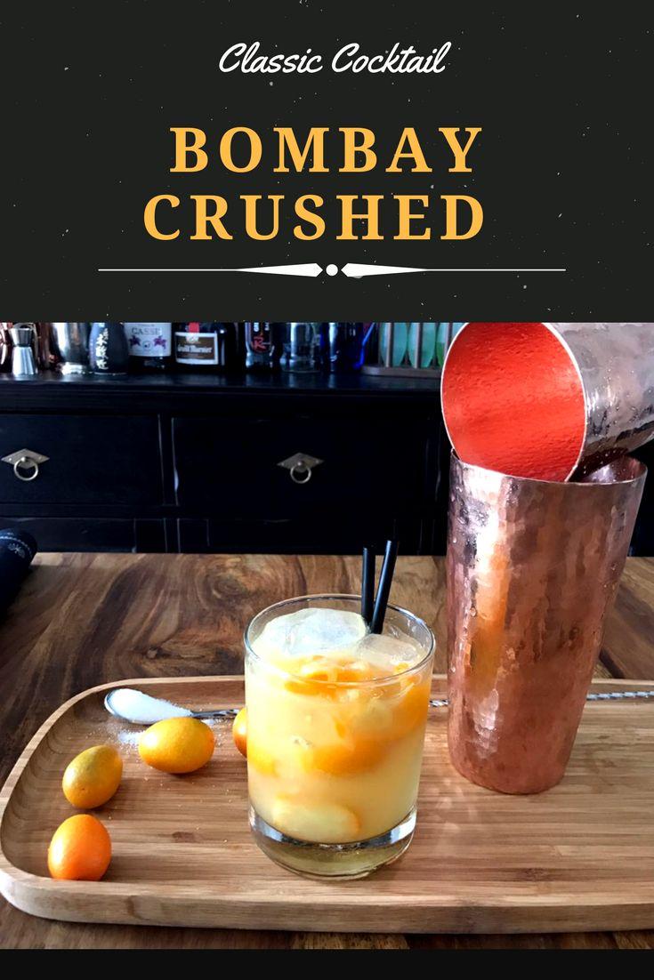 Der BOMBAY CRUSHED - BOMBAY SIGNATURE Cocktail.  Eiswürfel - 6cl (60ml) Bombay Gin - 1 Barlöffel Limettensaft (frisch)  - 3 Barlöffel Rohrzucker - 6-8 Kumquats   -> Das Rezept zu diesem schmackhaften Cocktail gibt es auf unserem YouTube Channel :)