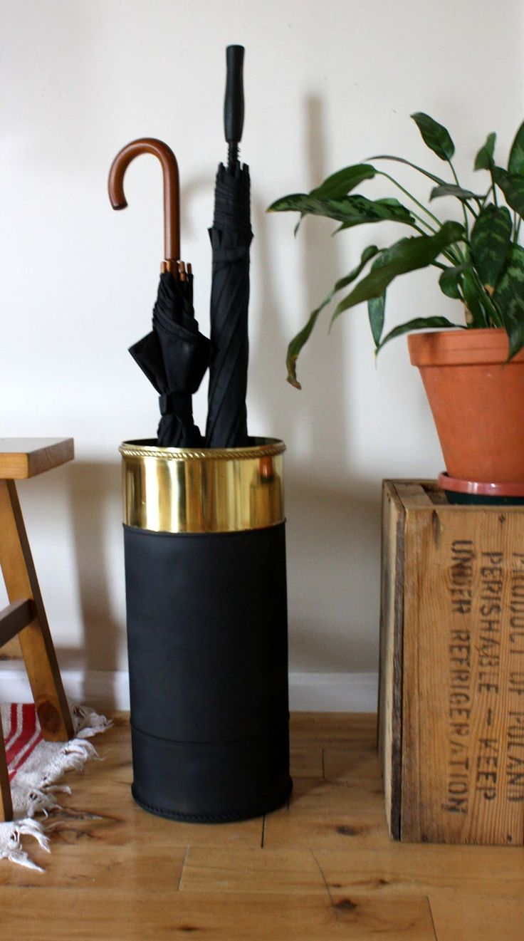 She Can't Decide: Thrifted Umbrella Stand DIY