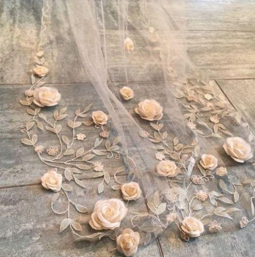 veil with orange roses