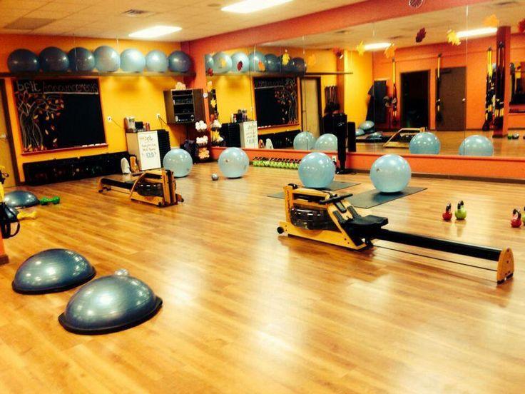 Bfit Studio Waterrower Gym Studio Exercise Yoga Bosu Cardio Exercise Fitness Exercise Workout Gym Rowing Machines Workout