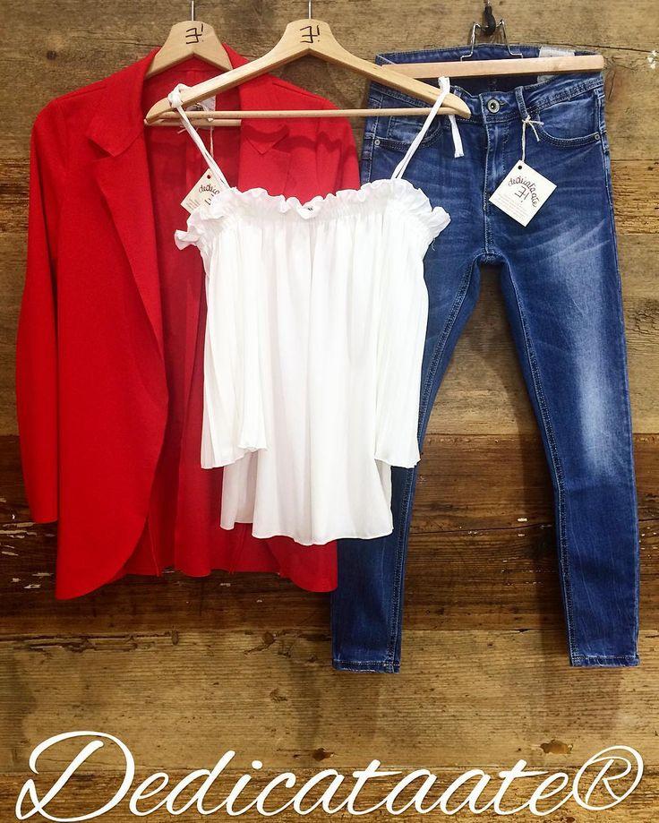 Vive la France! jeans skinny 69 top plissé 39 giacca rossa 59 www.dedicataate.it #ootd #ootn #outfit #outfitoftheday #instagood #pic #pho #photo #photooftheday #fashiongram #fashion #fashionblogger #fashionista #fashionable #fashionaddict #mavie #shop #shopping