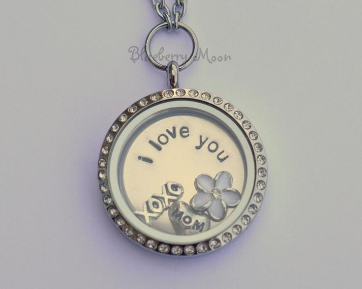 I love you Mom locket, glass floating charm memory locket, custom hand stamped jewelry - pinned by pin4etsy.com