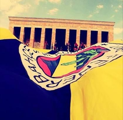 Atatürk Fenerbahçe'dir,Fenerbahçe Atatürk'tür.
