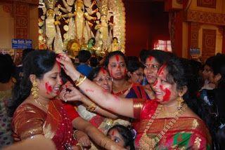 sindur khela: sindur khela  వివాహితులు బెంగాలీ హిందూ మతం మహిళలు ...