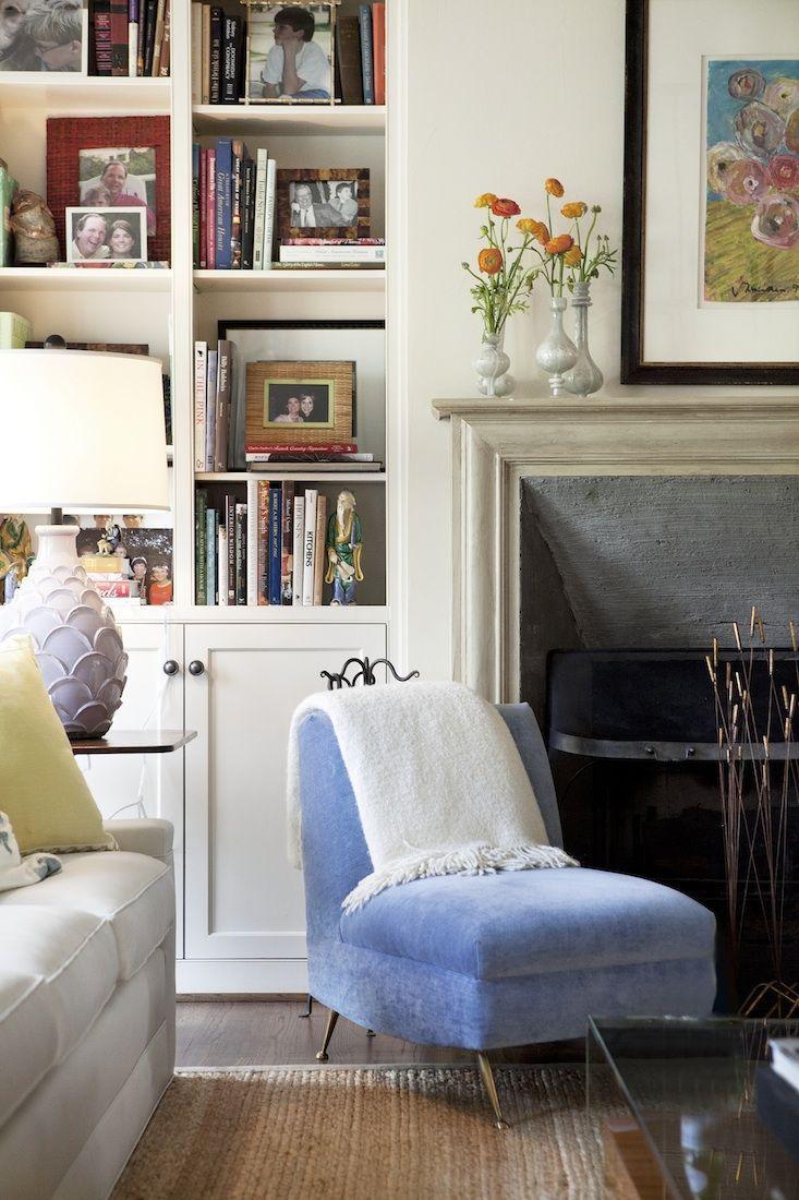Contemporary design living room blue sofa twipik - Decorating Living Rooms Interior Design Living Room Living Room Designs Interior Decorating Decorating Ideas Living Spaces Design Homes Vignettes