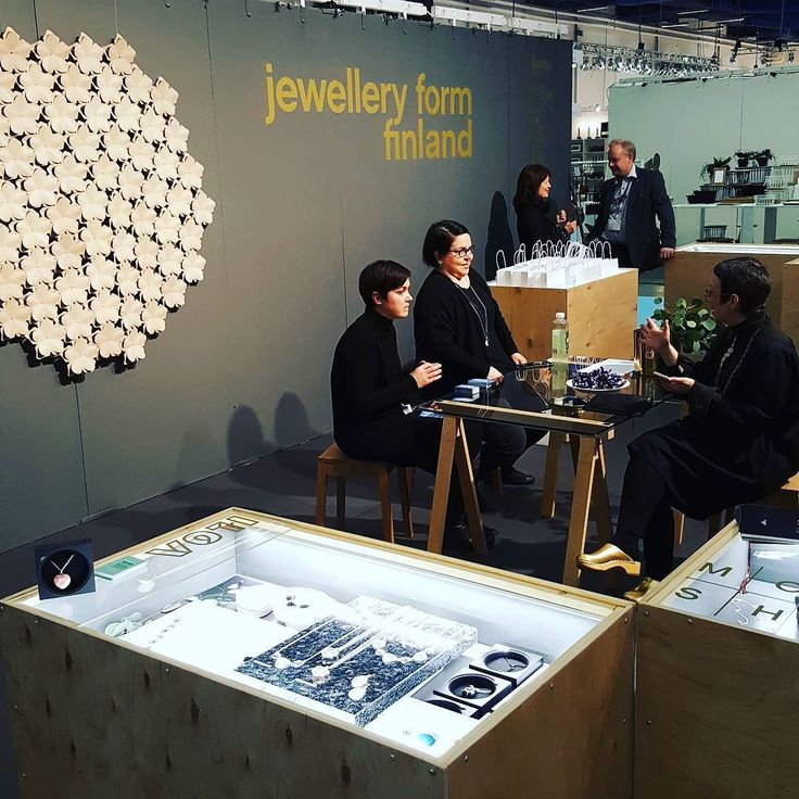 Morning meeting to start the day! #formex #creailoa #fair #finnishdesign #jewellery #korut #lifestyle #designtreat #JewelleryFormFinland