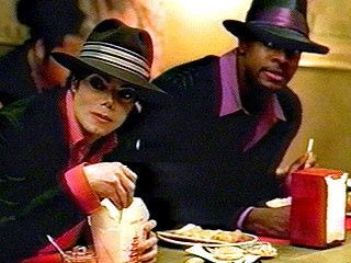 Michael Jackson & Ch    Download all your favorite music at http://www.iomoio.co.uk/bonus.php