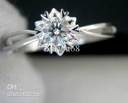 Snowflake ring - Oh I love this, it's so subtle and simple.