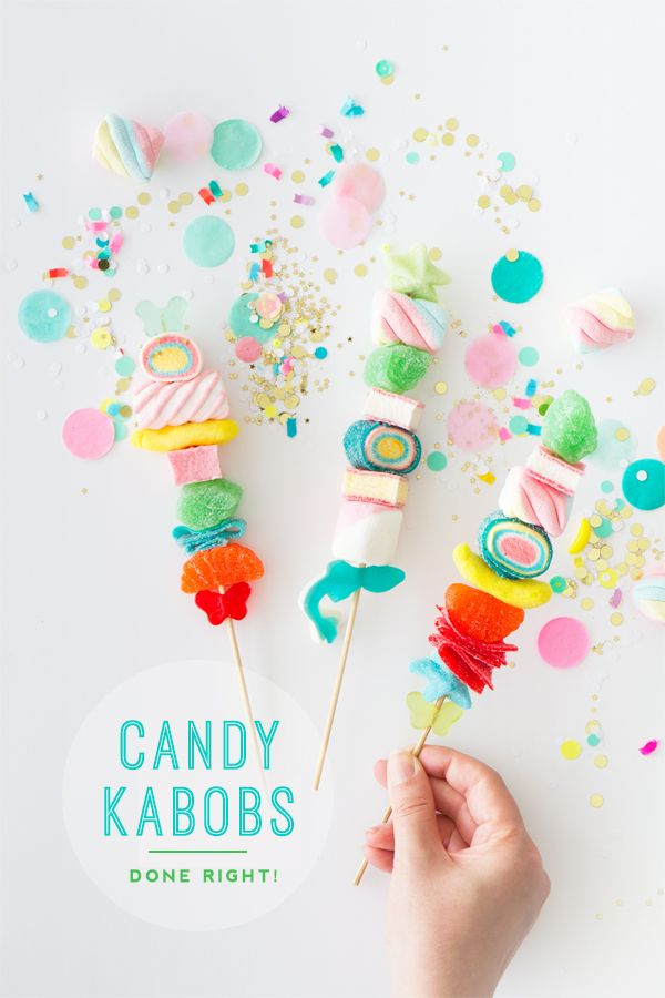 Is it just me or are candy kabobs kinda EVERYWHERE right now? At Oh Happy Day we decided to try our hand at them and were bummed to discover that they are harder than expected to get right! However, a